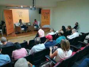 Wílmar Cabrera y Fernando Gómez, en el auditorio Óscar Gerardo Ramos, Biblioteca Departamental del Valle. / Foto: Oiga, mire, lea.